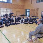 Ippon et yukodatotsu : réflexions de Inouė Yoshihiko sur l'esprit d'attaque et l'engagement au kendo