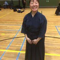 Cours de kendo en japonais par Endo Minori (3/10).